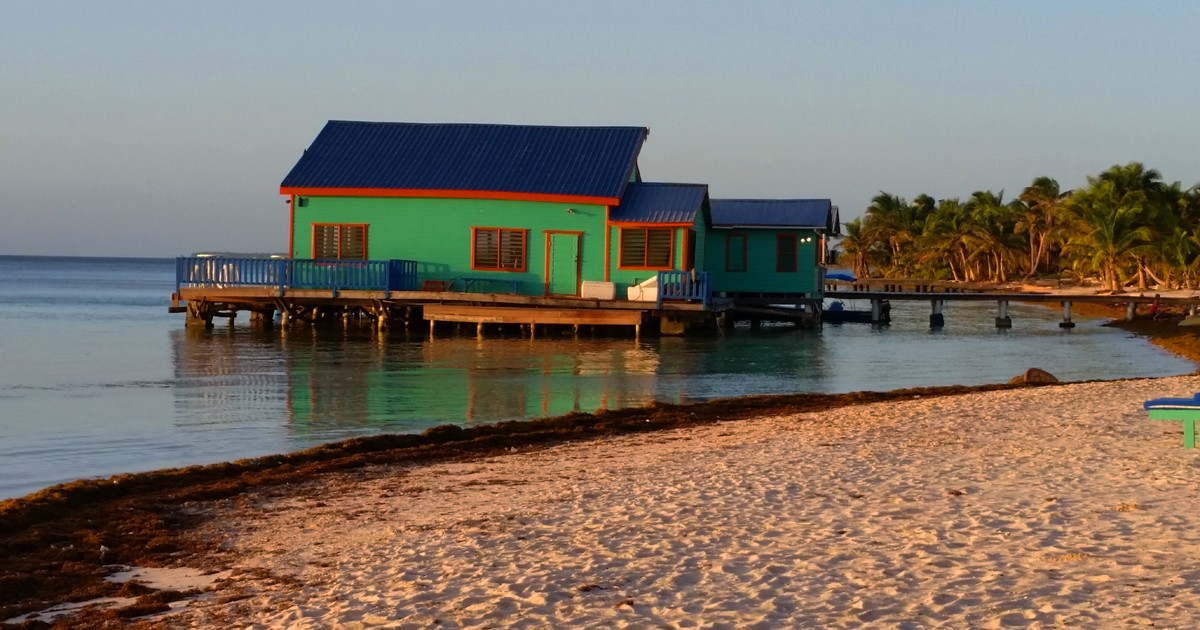 The Aquarium Restaurant at Tranquility Bay Resort - Belize