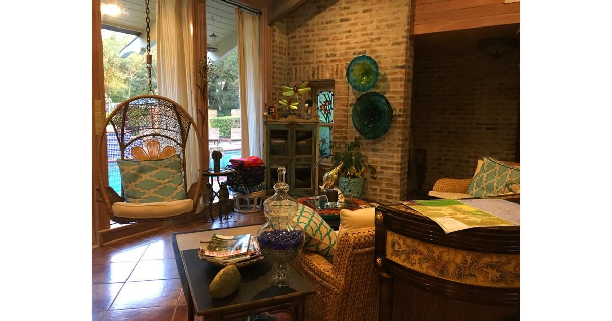 Sitting room at Cajun Country Inn