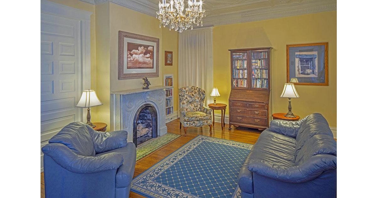 Bottger Mansion living room