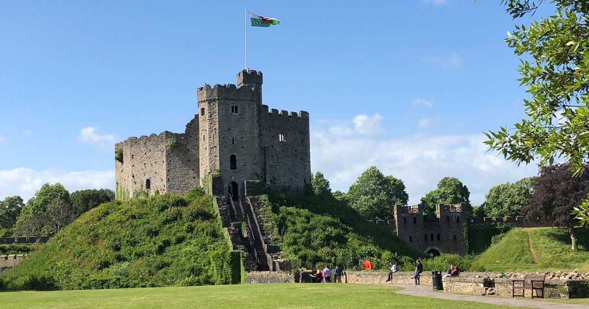 Cardiff-Castle,-Wales.jpg