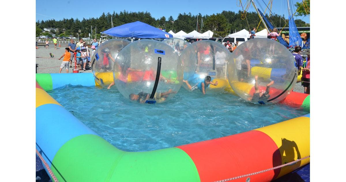 Family Fun at Waterfront Festival - Steve Berentson