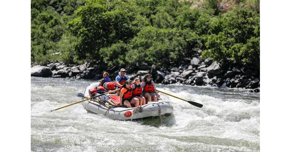 Here come the waves!  Picture courtesy of Hells Canyon Raft.