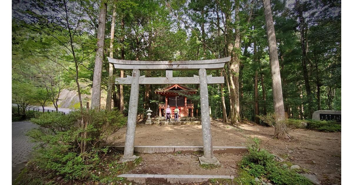 Hosshinmon-Oji Trail Shrine