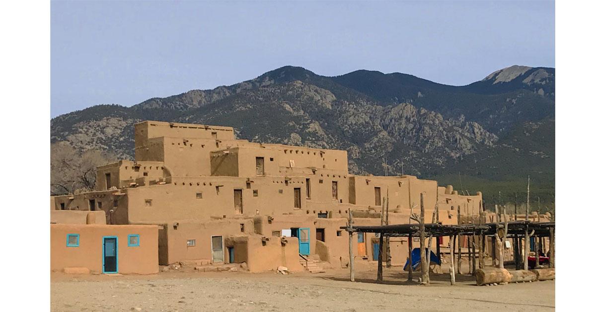 Pueblo-Taos-View1200.jpg