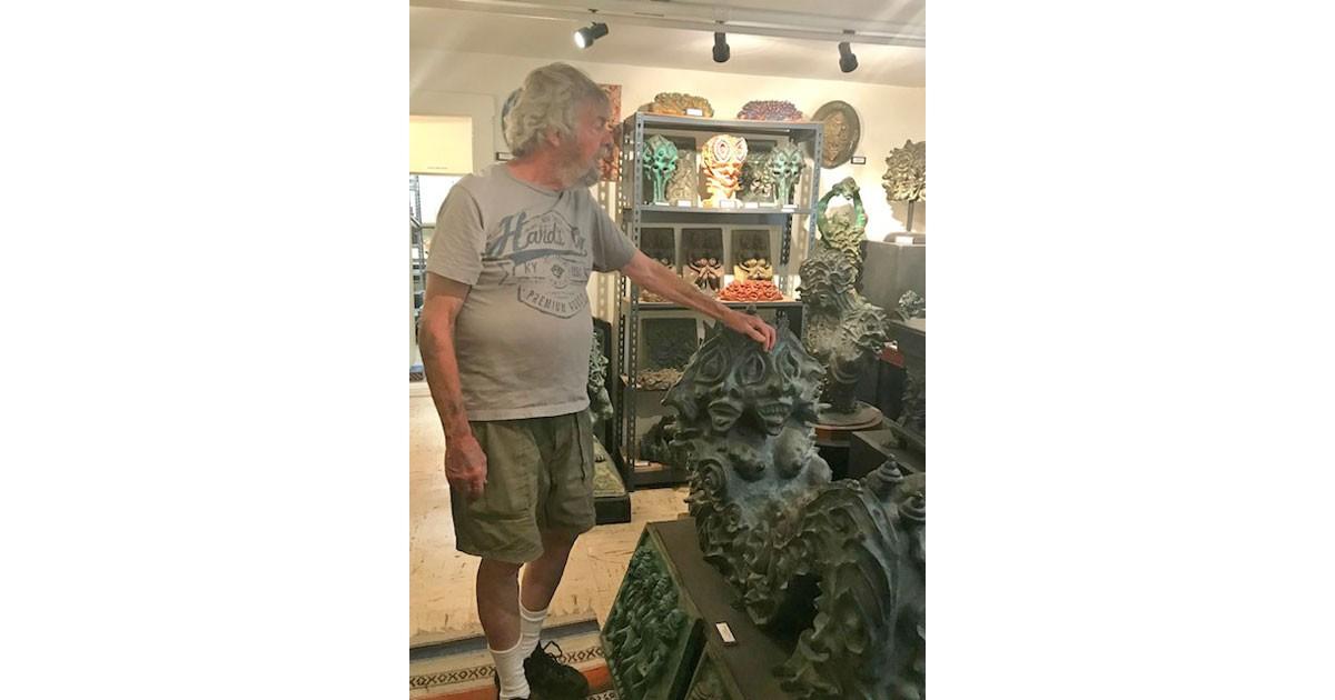 Sculptor Ho Baron in his studio