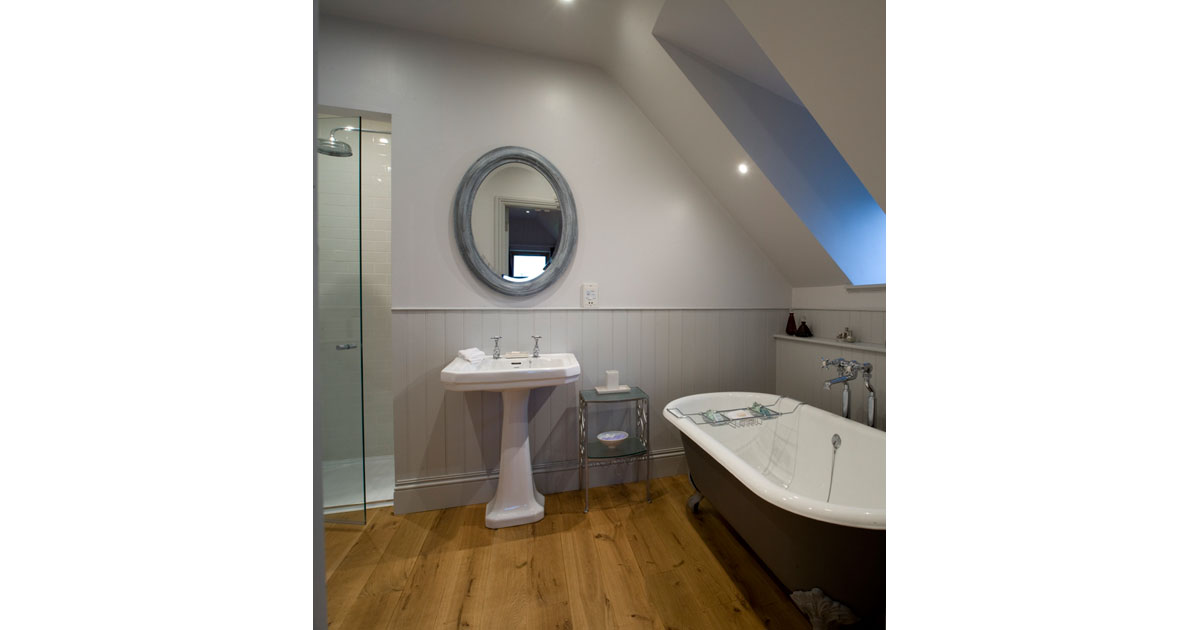 Bathroom in An Cos Shieldaig Luxury Vacation House