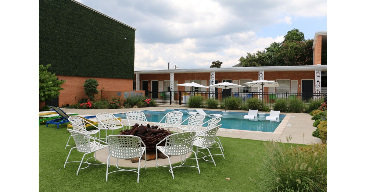 Stay Poolside at The Fredonia Hotel