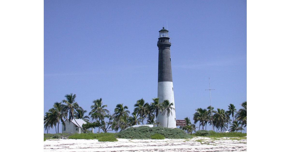 lighthouse1200.jpg